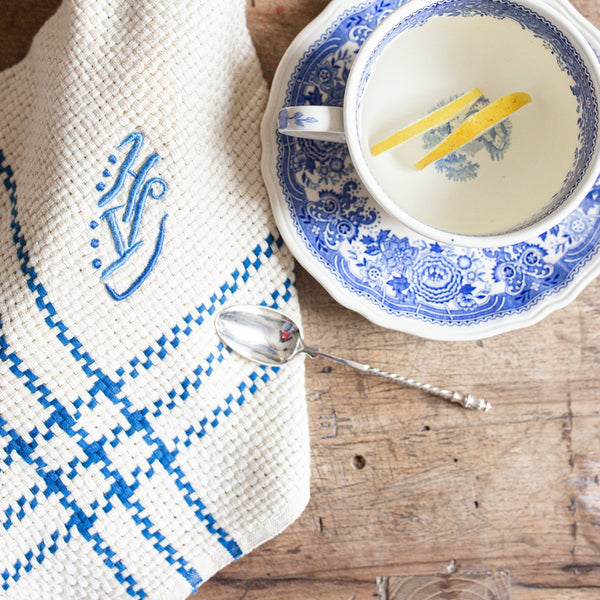 Knit embroidered dish towels | sold on www.madamedelamaison.com