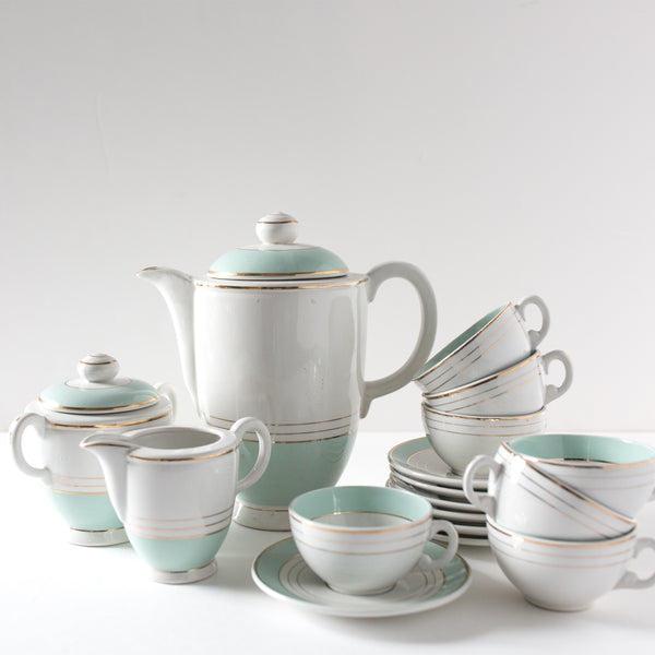 Mint and White Tea Service