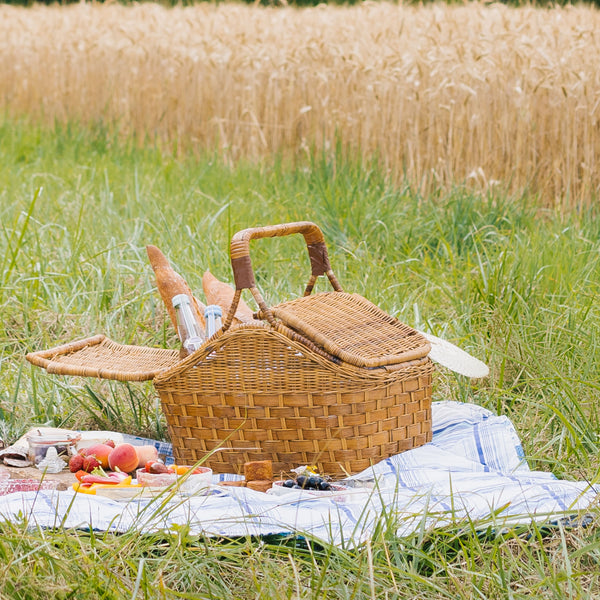 antique picnic basket sold on Madame de la Maison