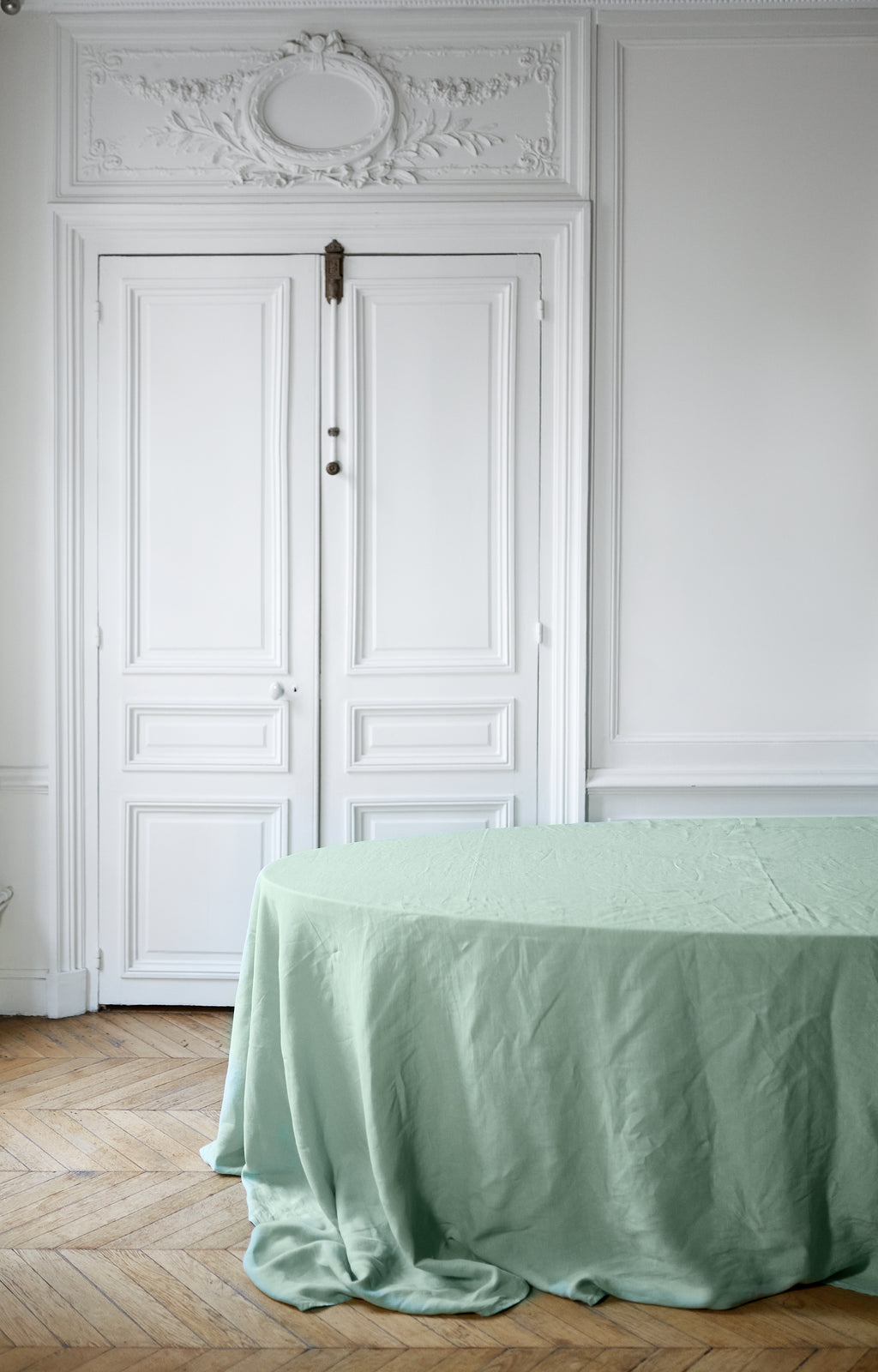 Mint Linens from www.madamedelamaison.com