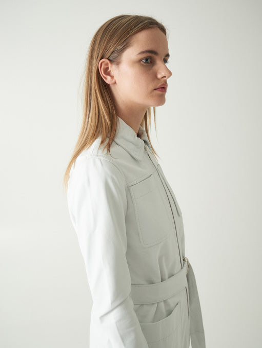 Stand | Keren Trench - White