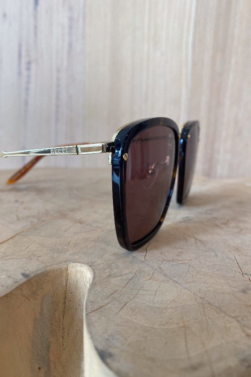 Gucci | GG0673S002 - Tortoise Frame with Gold Studs and Brown Lens