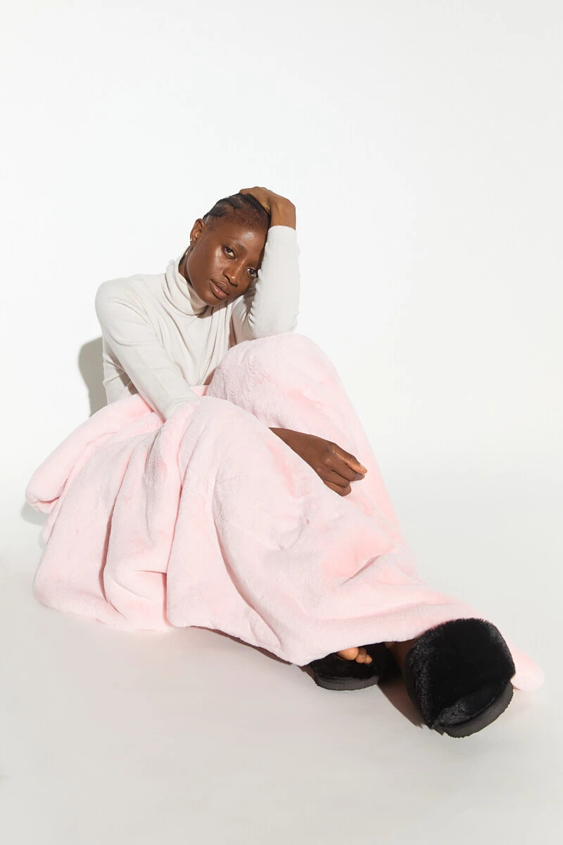 Apparis | Brady Blanket - Blush