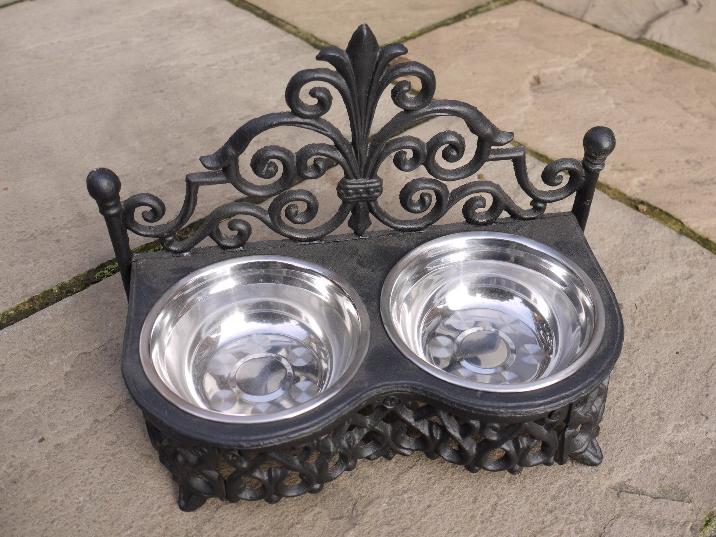 Small Wrought Iron Pet Dish