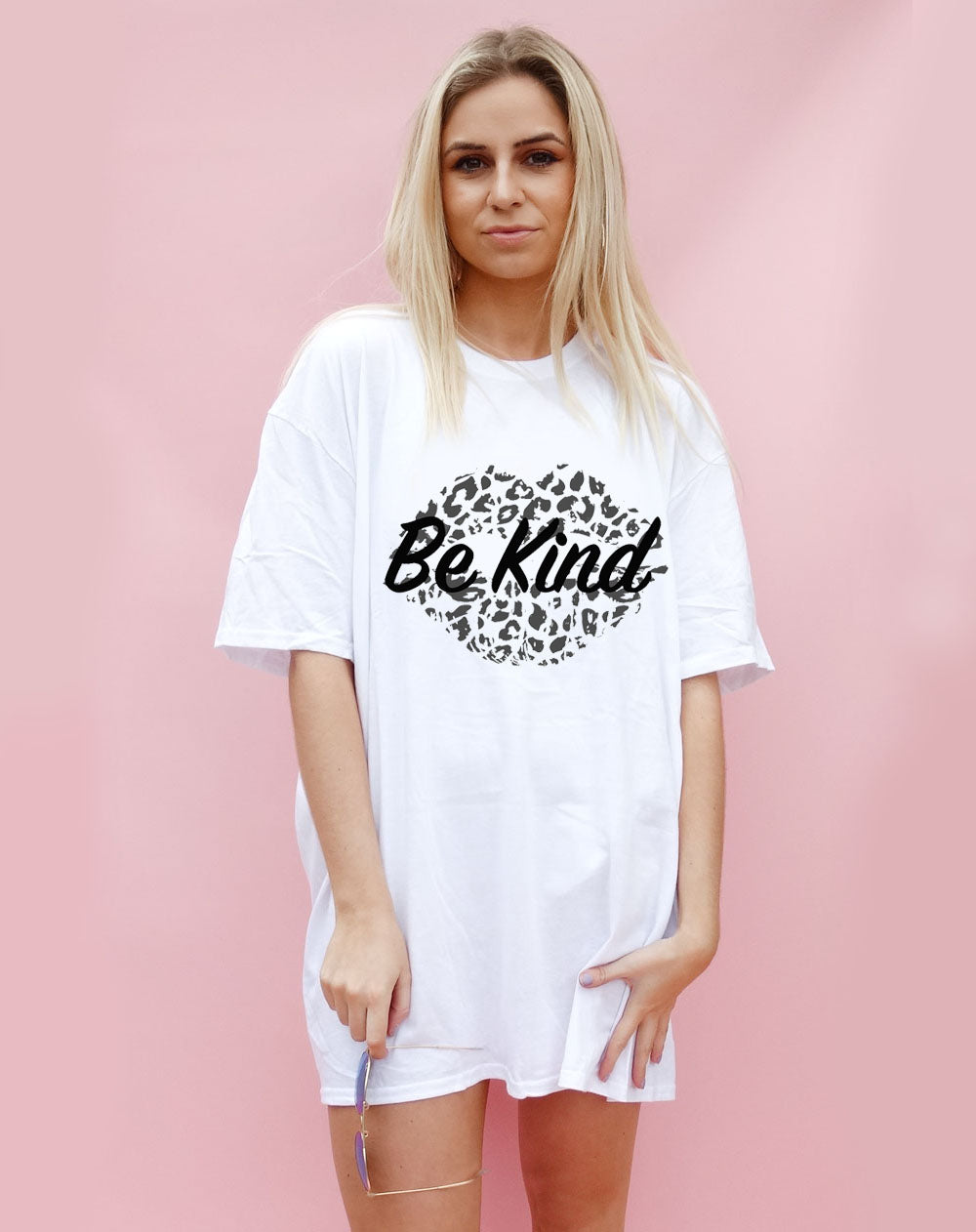 White Oversize Tshirt Print With Be Kind Monochrome Slogan