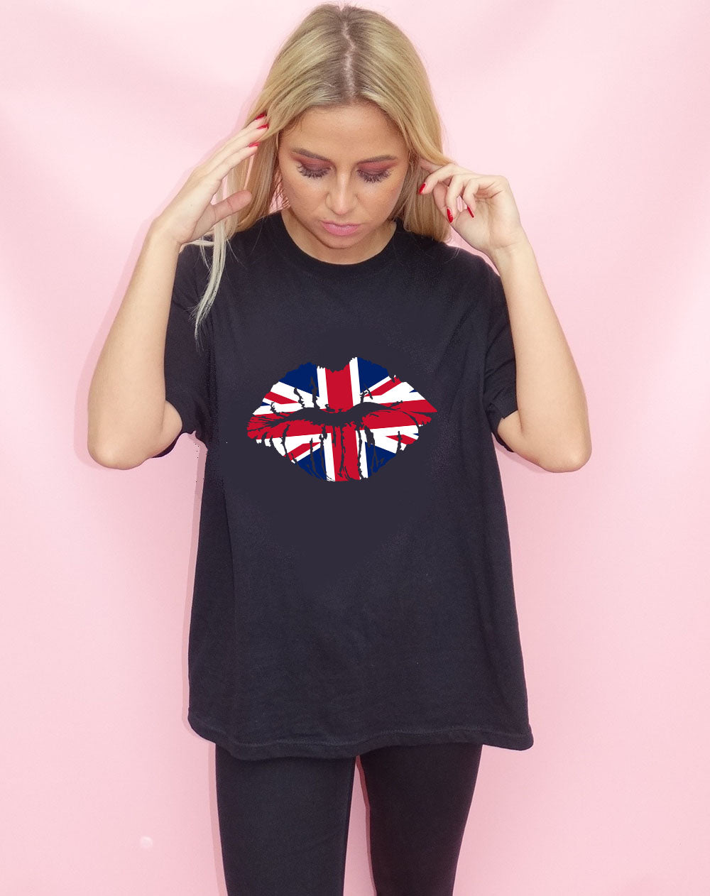 United Kiss Tshirt in Black