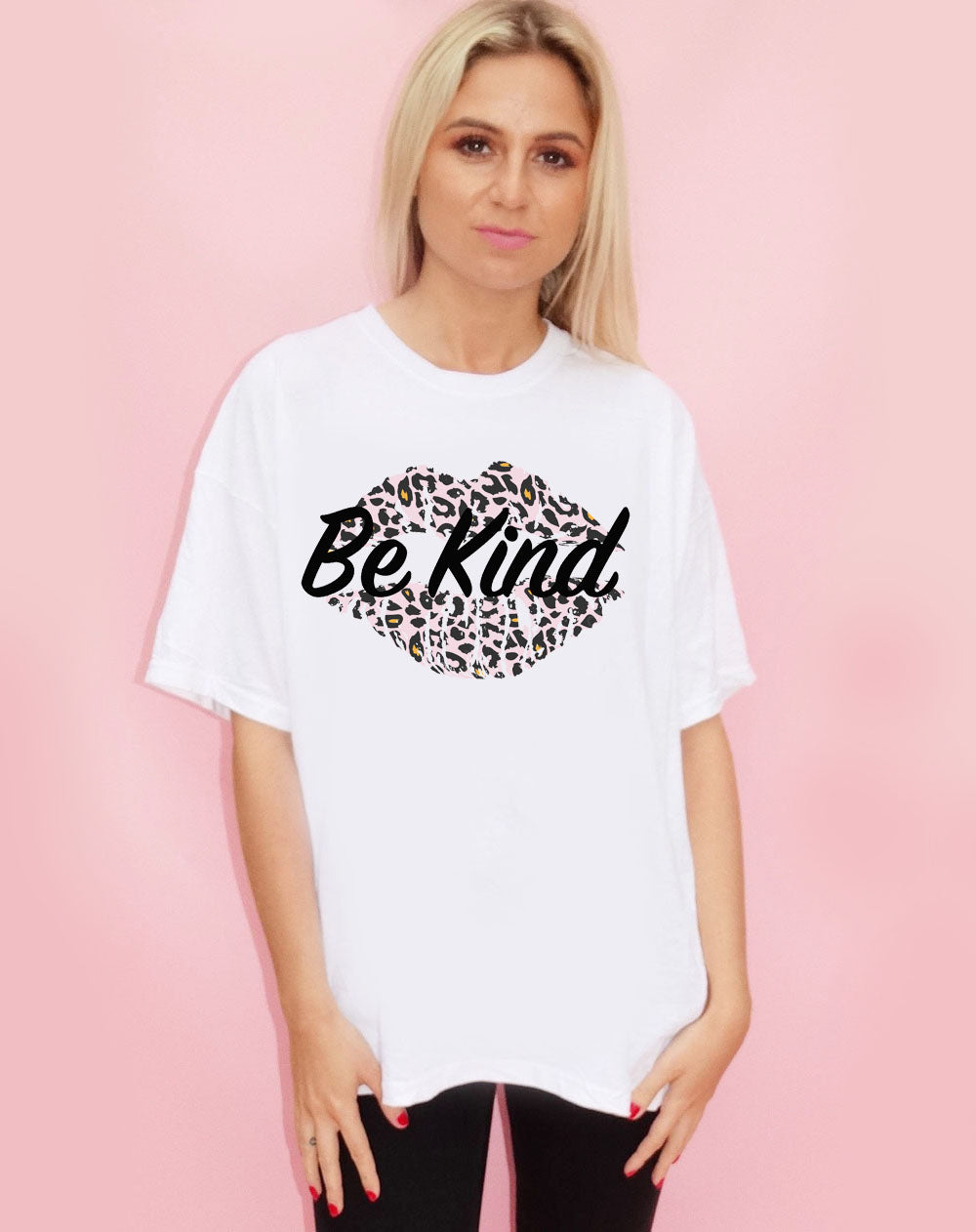 White Tshirt with Be Kind Slogan & Pink/Orange Leopard Kiss