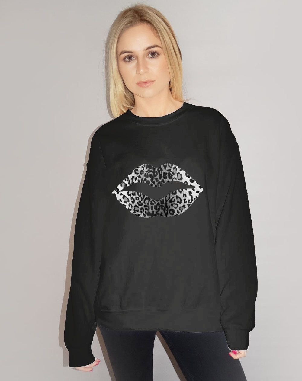 Jumper in Black and White Leopard Lip