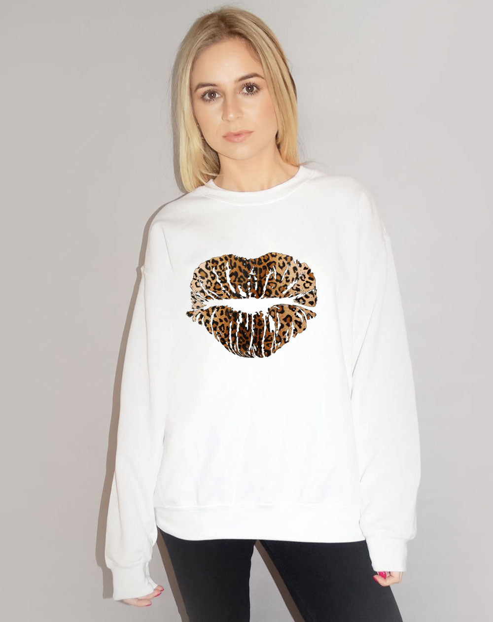 Leopard Lip Kiss Sweatshirt In White