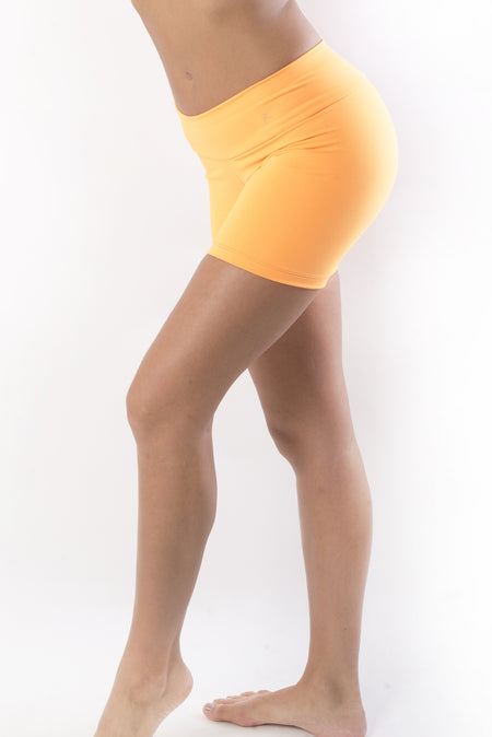 Ana Ruga Yellow Capri