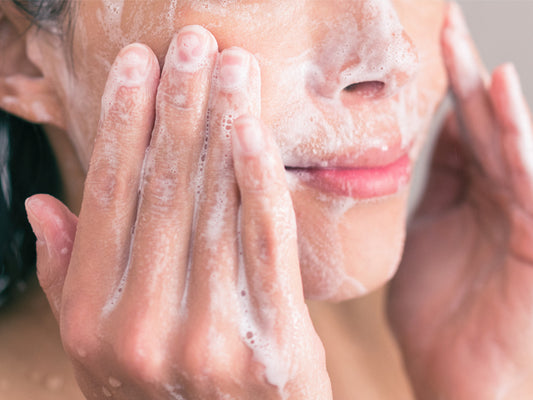 How To Choose Cleanser For Acne-Prone Skin?