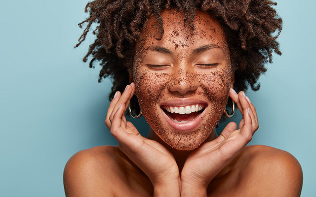 6 Benefits Of Facial Scrubs & How To Use Them Right – SkinKraft