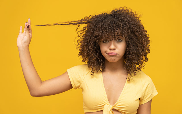 How To Look After Your Dry Curly Hair? – SkinKraft