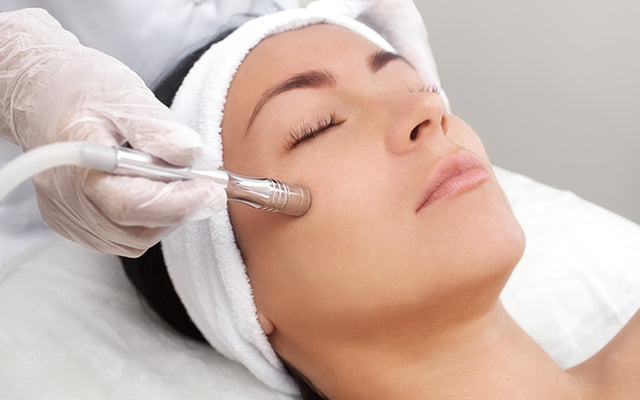 Chemical Peel Vs Microdermabrasion - Which One Is Better For Your skin?