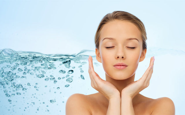 How To Keep Your Skin Hydrated ( With 7 Simple Tips)