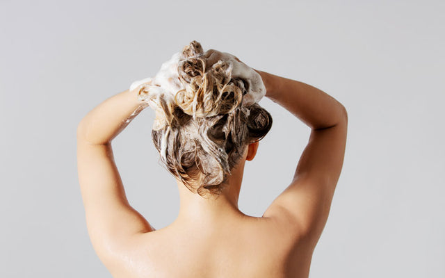 Should You Wash Hair With Hot Water Or Cold?