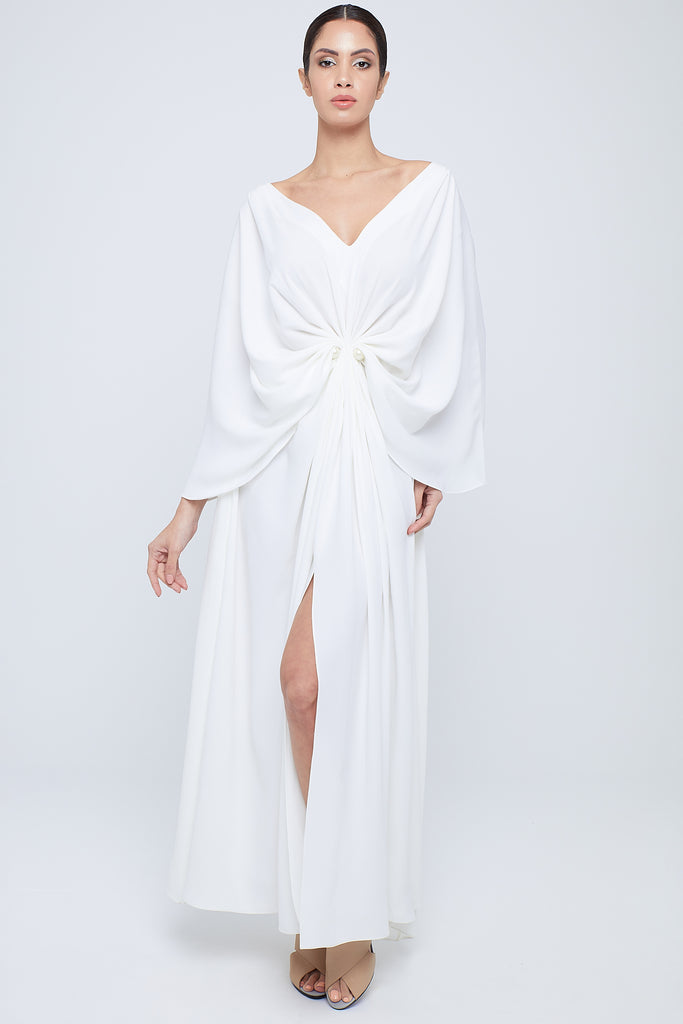 Flowy crepe kaftan with full shoulder drapping all joining around the waistline with jumbo closing