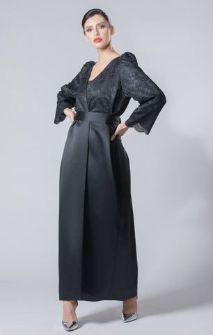 Floral Lace with Gathered Shoulder Abaya
