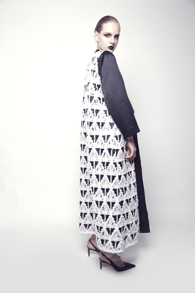 Two-Toned Collared Taffeta Abaya