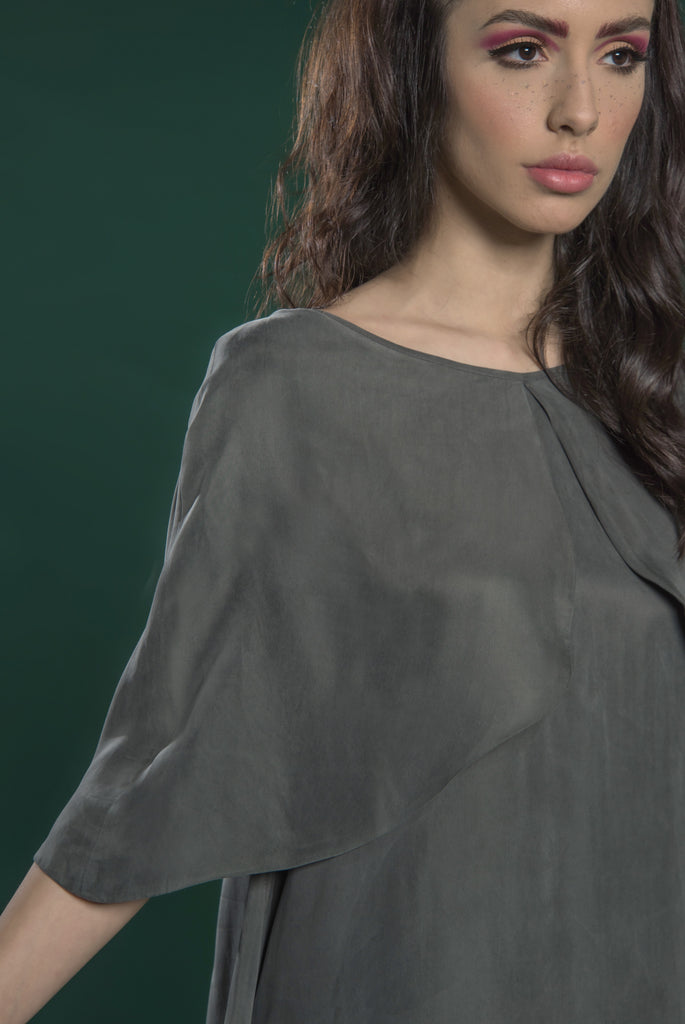 Kaftan with Overlaying Cape Sleeves
