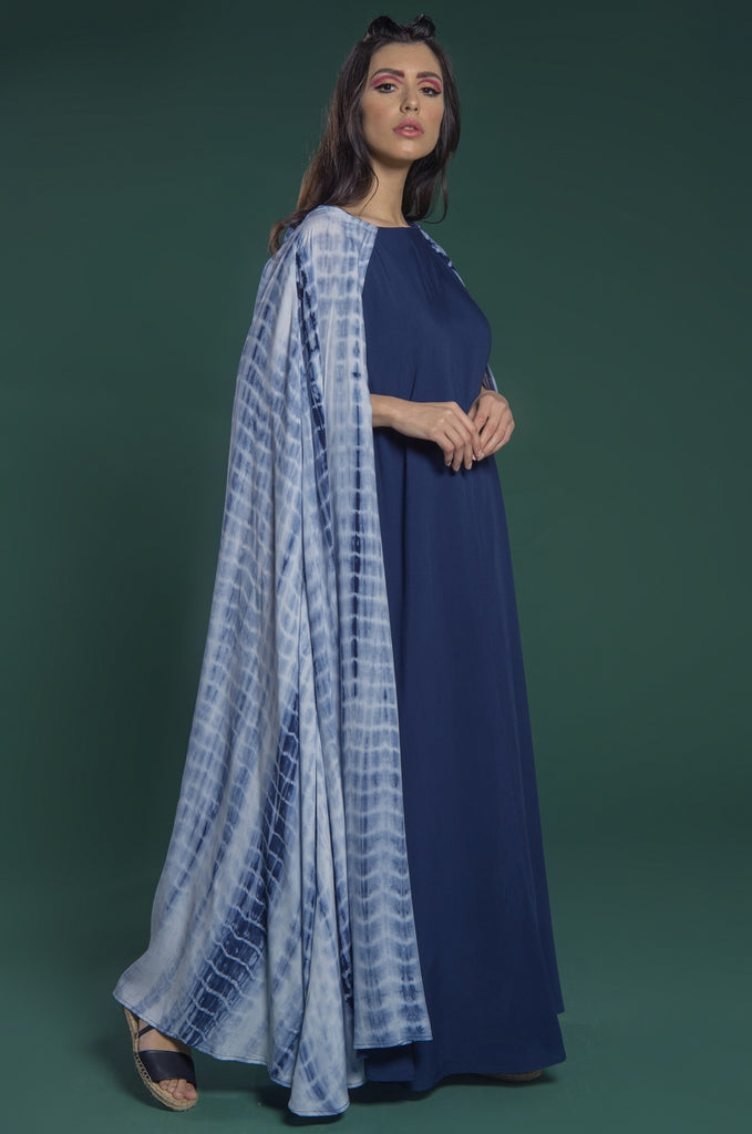 Kaftan with boat neck and long overlaying cape sleeves
