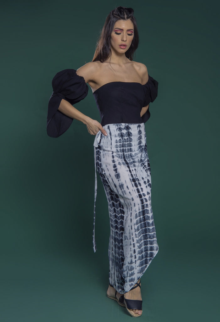 Crop top with detachable tulip petal pleated sleeves