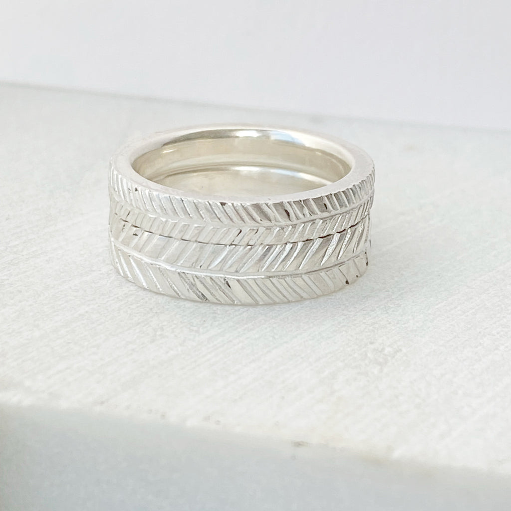 Chevron Thin Band