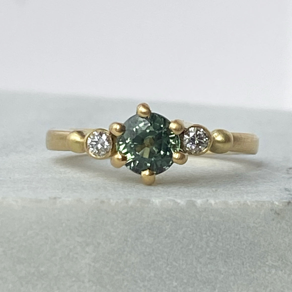 Green Teal Sapphire Gold Ring