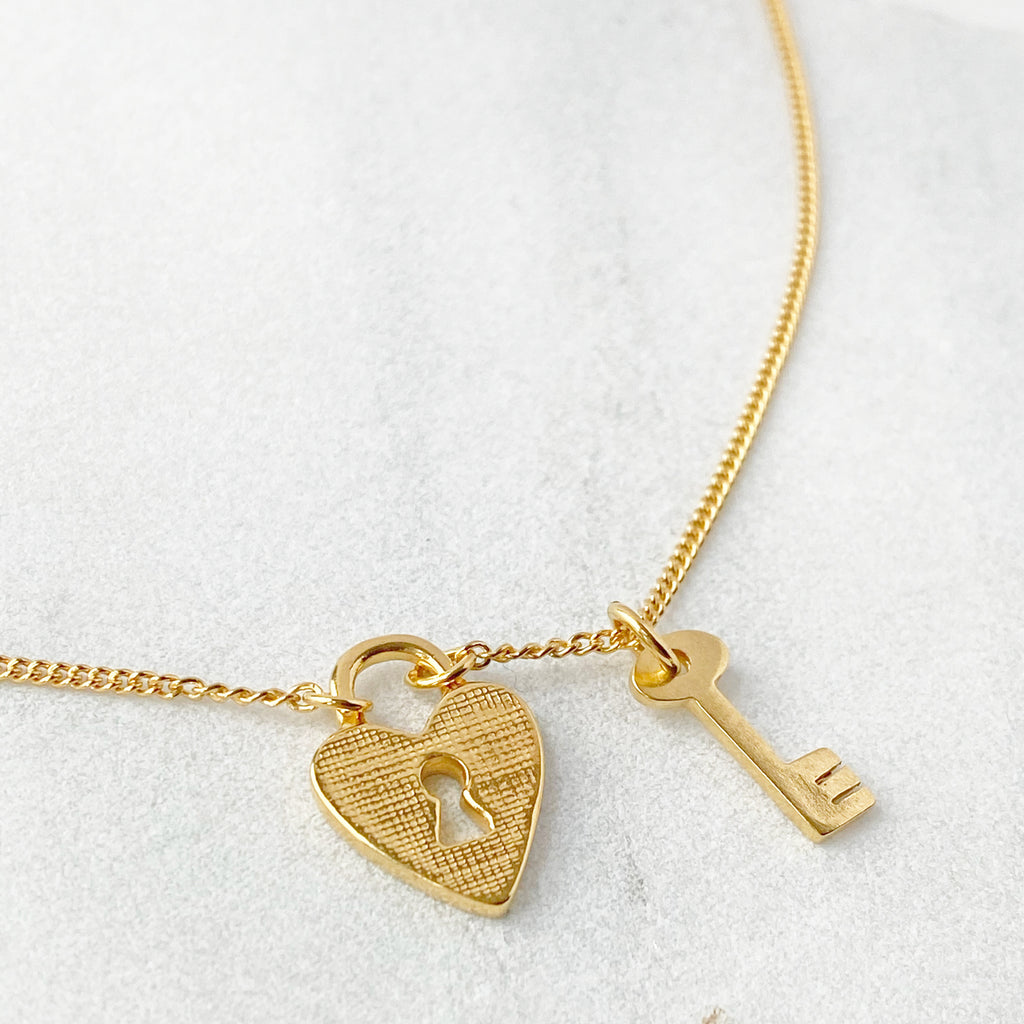 Heart & Key Gold Pendant