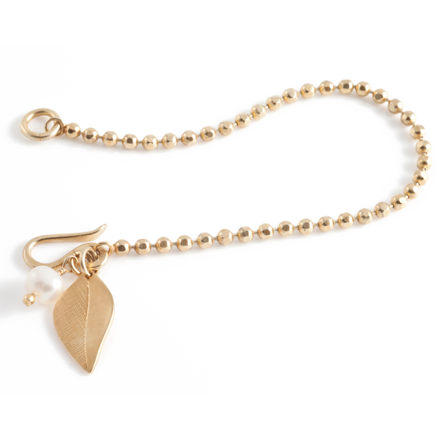 Leaf Bracelet in Gold