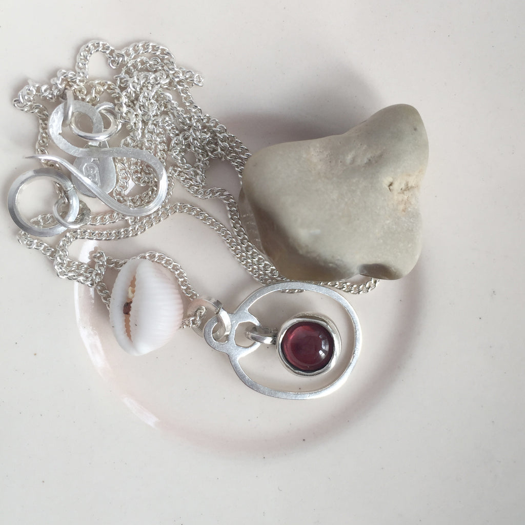 Birthstone Pendant Garnet January