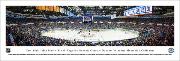 New York Islanders Final Regular-Season Game at Nassau Coliseum Panoramic Poster Print (4/11/2015)