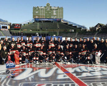 Chicago Blackhawks Wrigley Field Winter Classic 2009 Team Portrait (16x20) Premium Poster Print