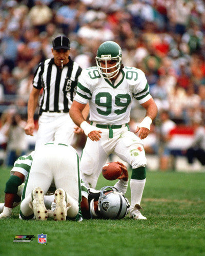 "Mark Gastineau ""Classic Tackle"" (1985) New York Jets Premium Poster Print - Photofile Inc."