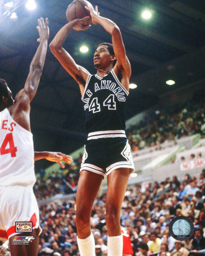 "George Gervin ""Jumper"" (1978) San Antonio Spurs Premium Poster Print - Photofile Inc."