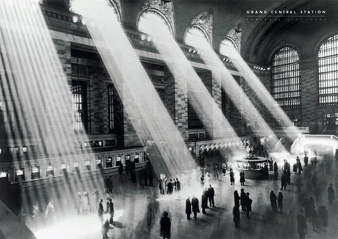 "Grand Central Station ""Sunbeams""( New York 1934) Classic Black-And-White Poster - Pyramid Posters"