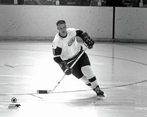 "Gordie Howe ""Red Wings Classic"" (c.1961) Detroit Red Wings Premium Poster Print - Photofile Inc."
