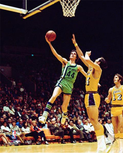 "Pete Maravich ""Hawk in Flight"" (1971) Atlanta Hawks Premium Poster Print - Photofile Inc."