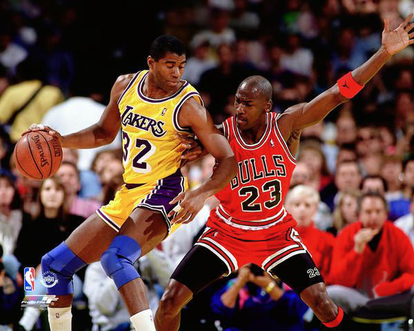 Michael Jordan vs. Magic Johnson (1990) Chicago Bulls vs. L.A. Lakers Premium NBA Poster Print - Photofile Inc.