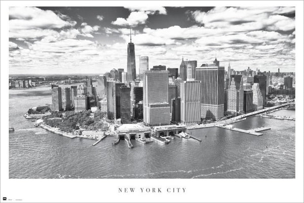 New York City Lower Manhattan Skyline in Black-and-White Poster - Grupo Erik/Shutterstock