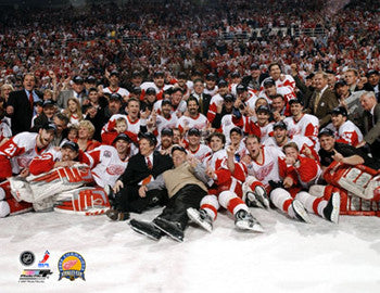 Detroit Red Wings 2002 Stanley Cup Celebration Premium Poster Print - Photofile