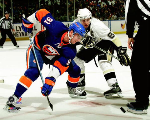 "John Tavares vs Sidney Crosby ""Faceoff 2009"" - Photofile 16x20"