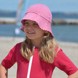 Petit Crabe swim hat Frey in amaranth and white
