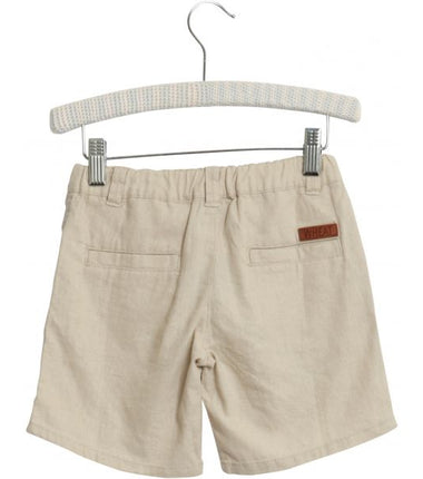 Wheat shorts Vilfred in sand