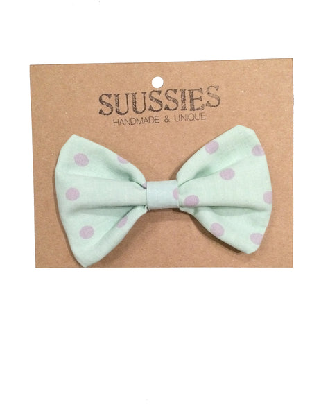 Suussies bow tie in mint with grey dots