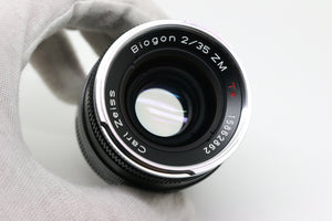 Carl Zeiss Biogon T* 35mm F/2 ZM Lens w/ Genuine Zeiss Lens Hood
