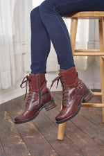 Taos Crave Brunette Leather Boots