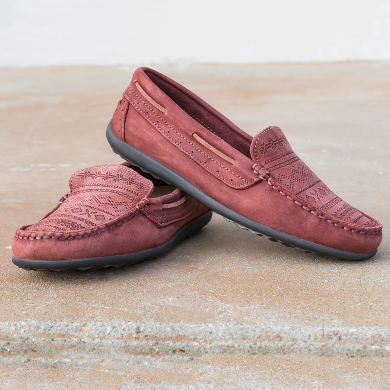Taos Heritage Spice Red Leather Supportive Loafers