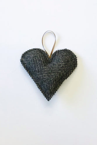 Brown tweed heart accessory