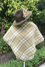 Tweed Check Cape - Green